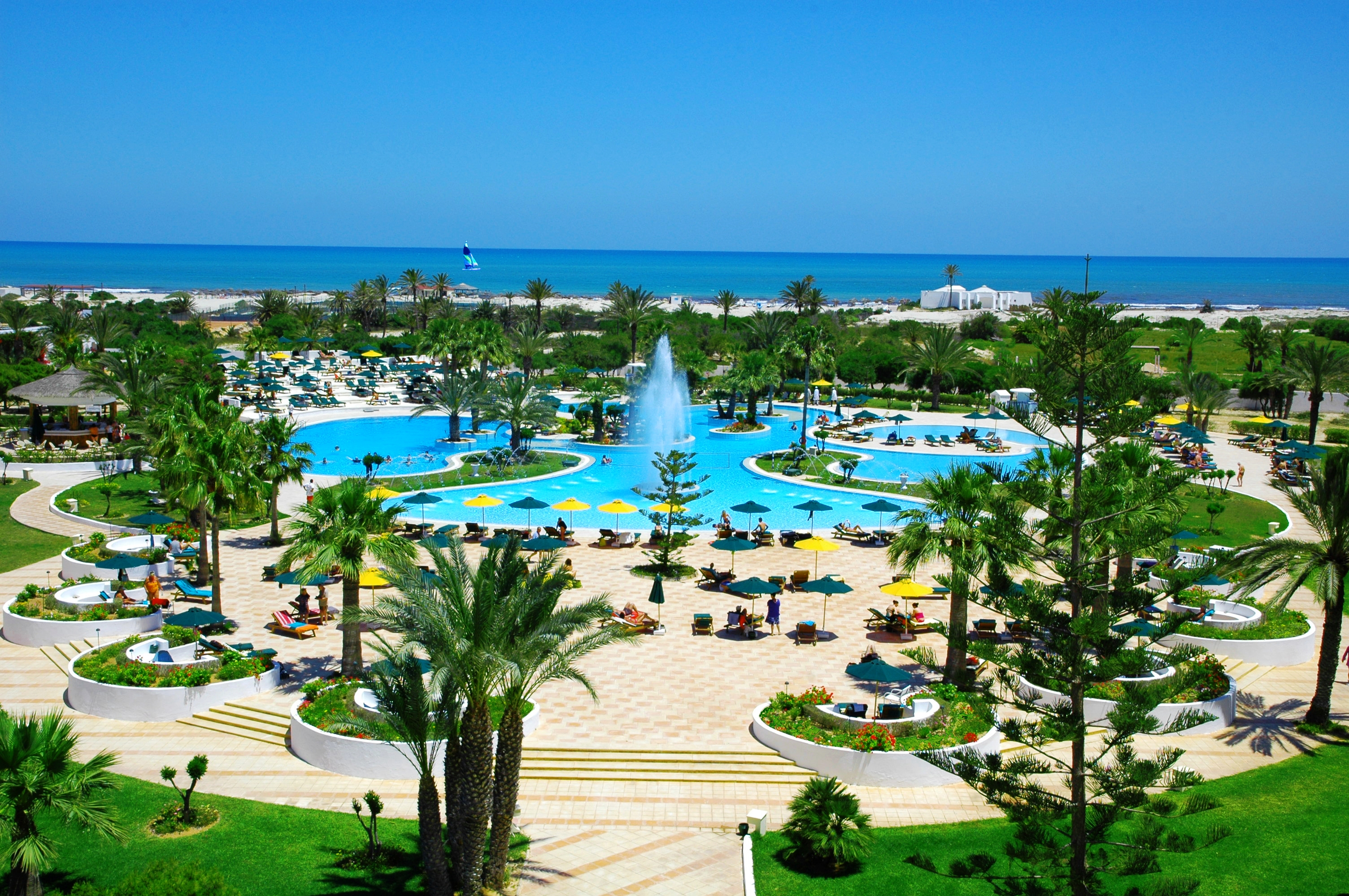 H tel djerba plaza thalasso spa 4 voyage tunisie for Hotels djerba