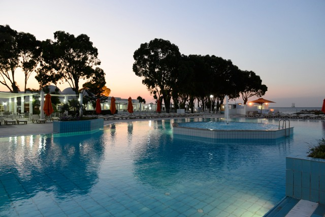 One resort aqua park voyage tunisie s jour monastir for Aqua piscine otterburn park